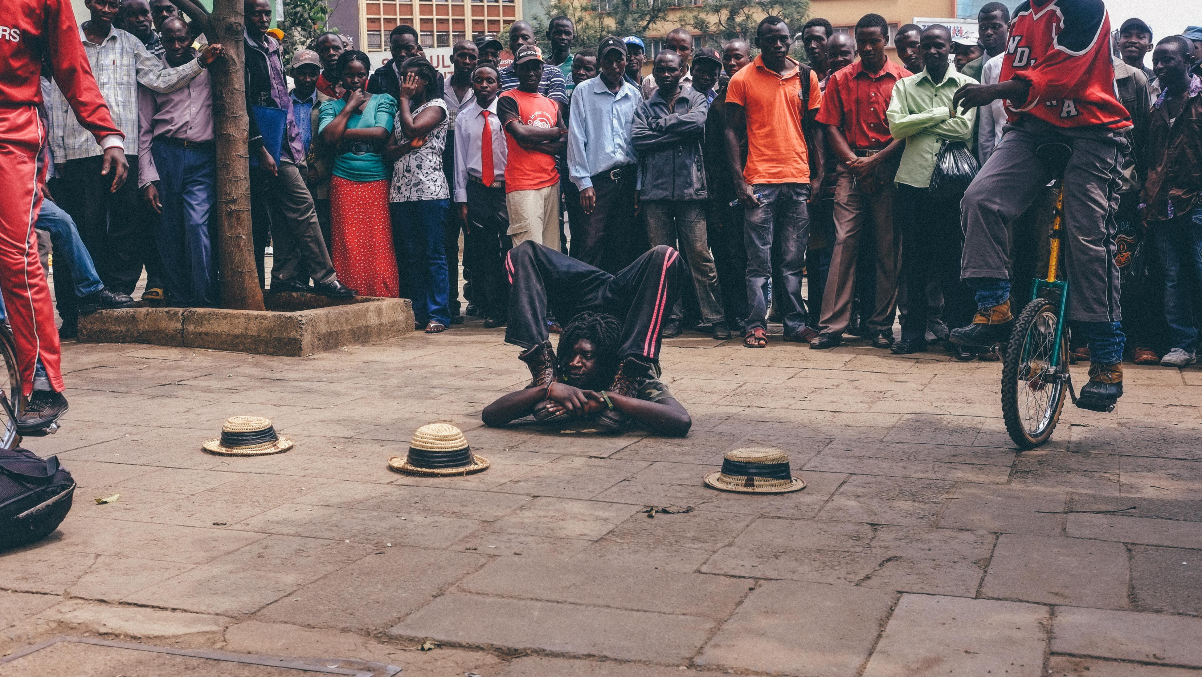 street-performers-nairobi-kenya